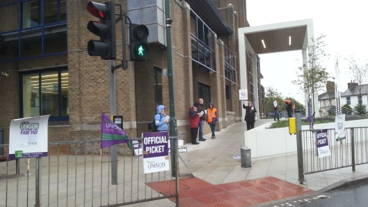 Civic Offices picket line as at 7.50am