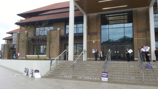 Civic Offices picket line from the front at around 9am